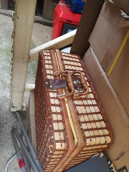 Picnic case for sale