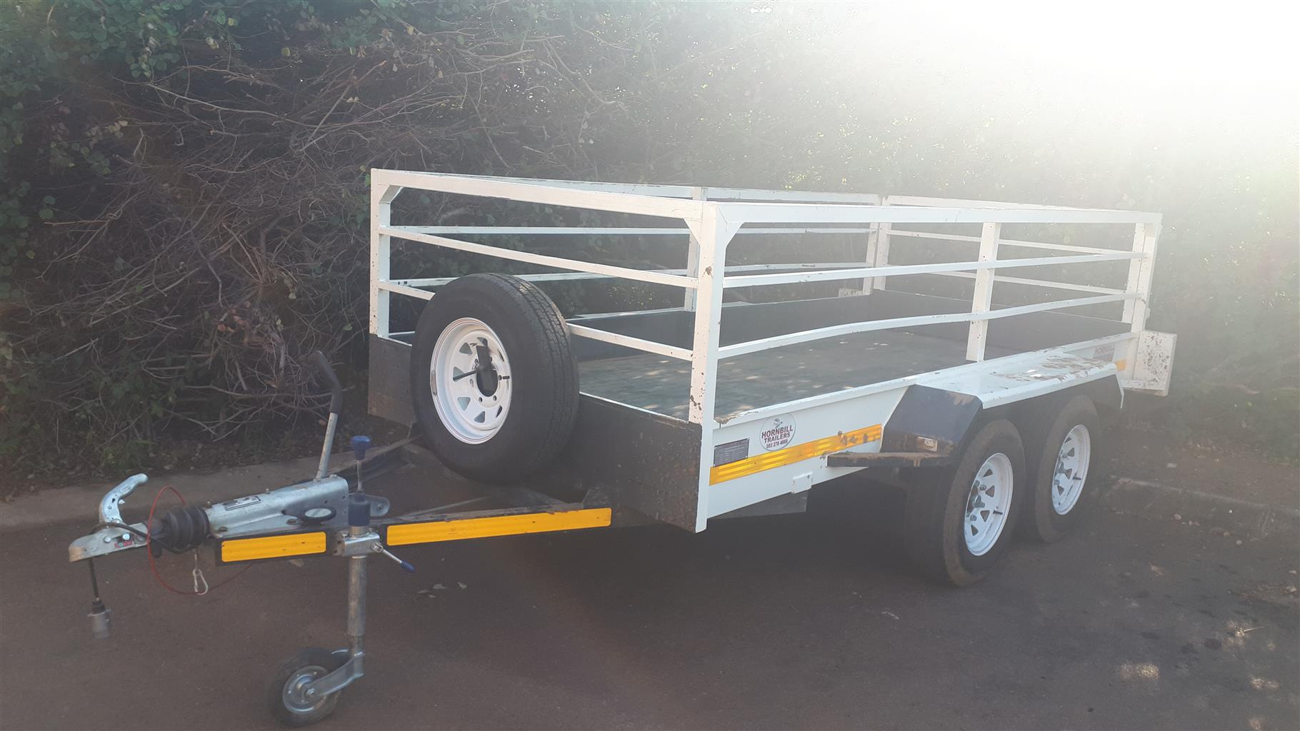Trailer with double axle