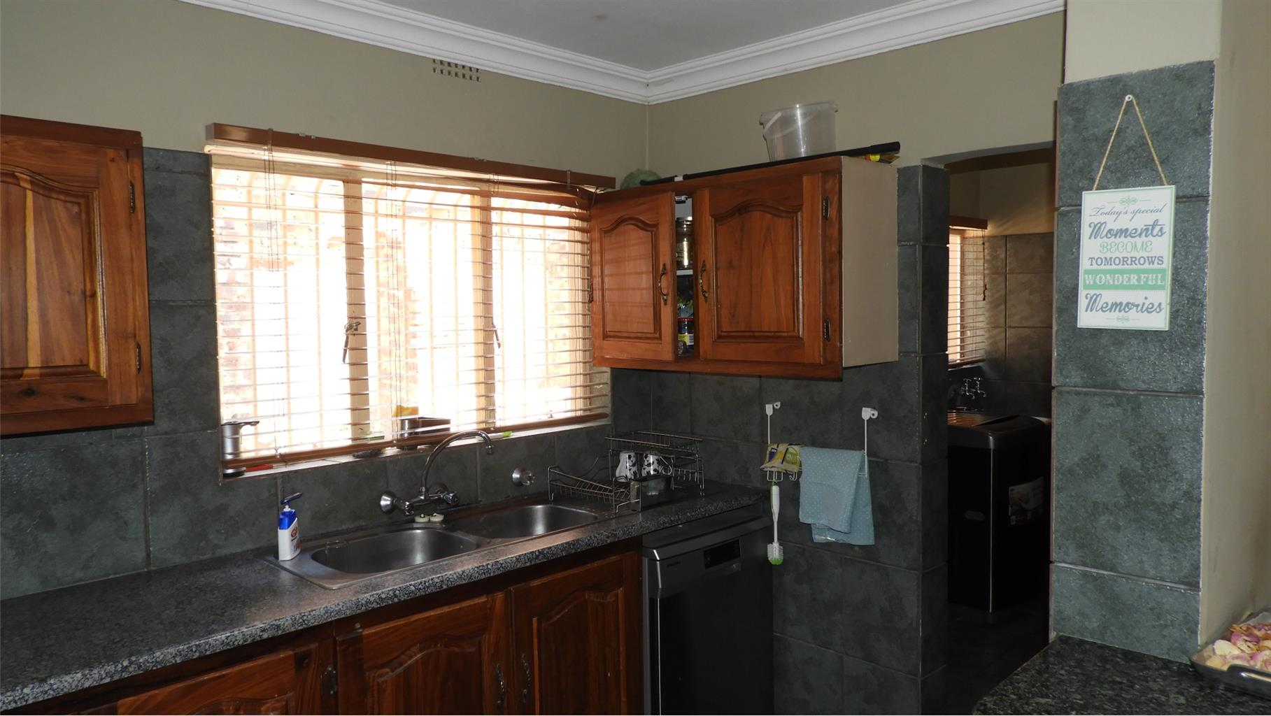 Stunning house in Meyerspark to be sold on auction is ON SHOW 24 November 2:00pm- 4:00pm!