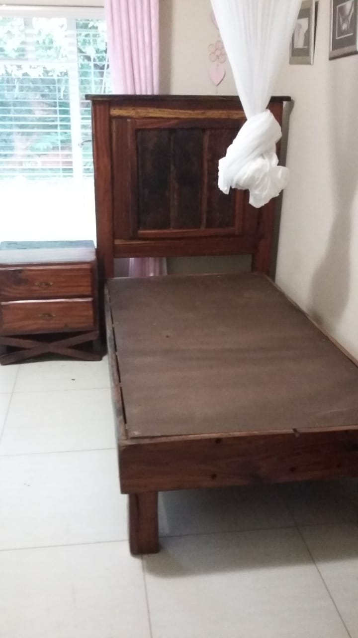 Single bed base