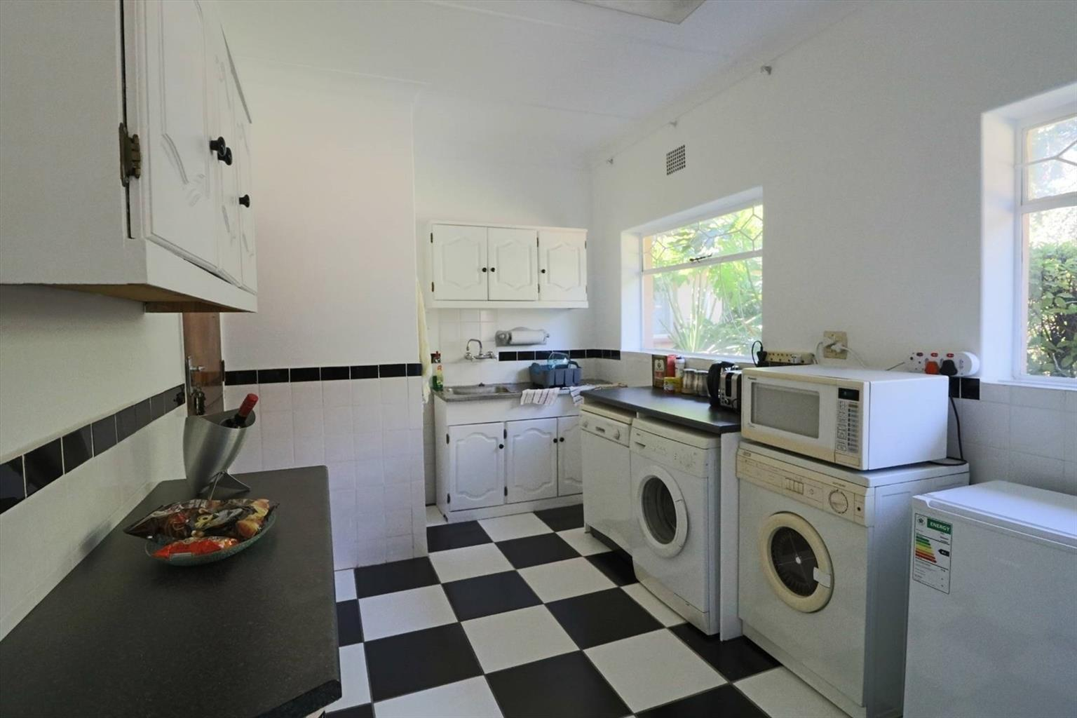 Cottage Rental Monthly in Bedfordview