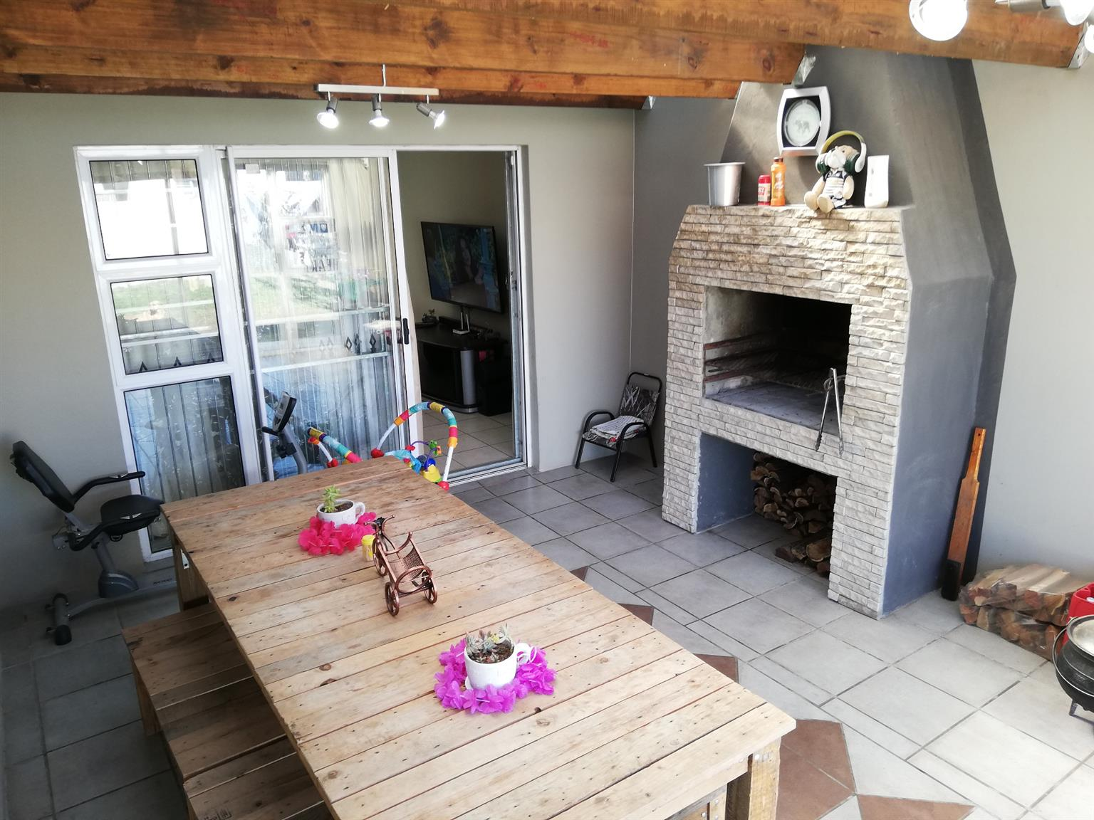 House For Sale in Parsons Ridge
