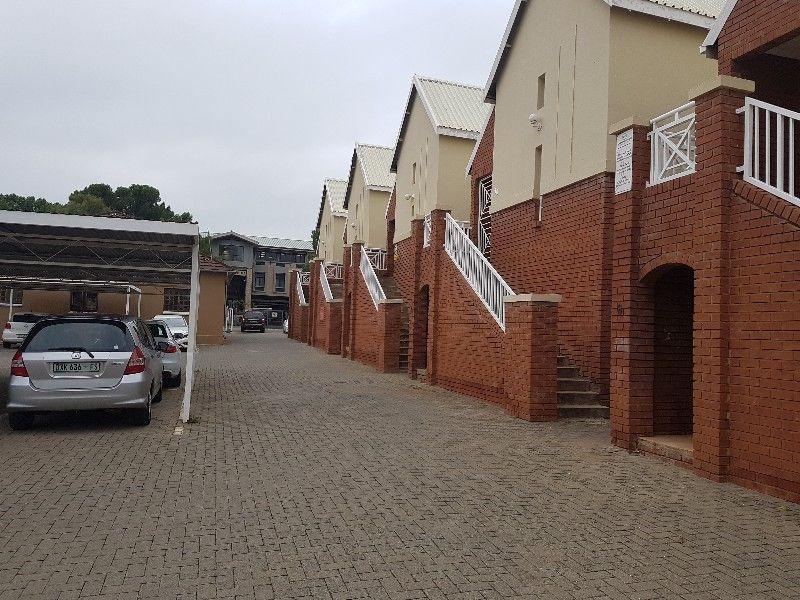 2 BEDROOM TOWNHOUSE WITH OFFICE RIGHTS - KELLNER STREET BLOEMFONTEIN