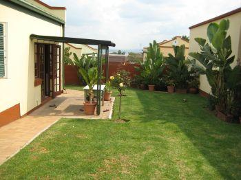 2 bed 2 bath 1 garage private cluster in Boschendal available immediately