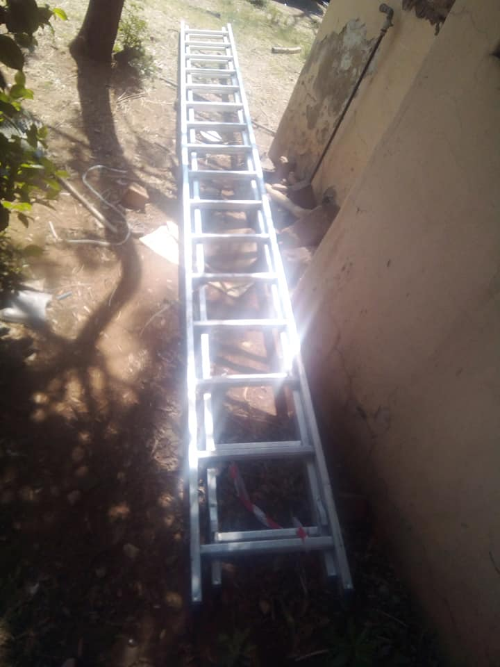 DM 900 9m expandible ladder