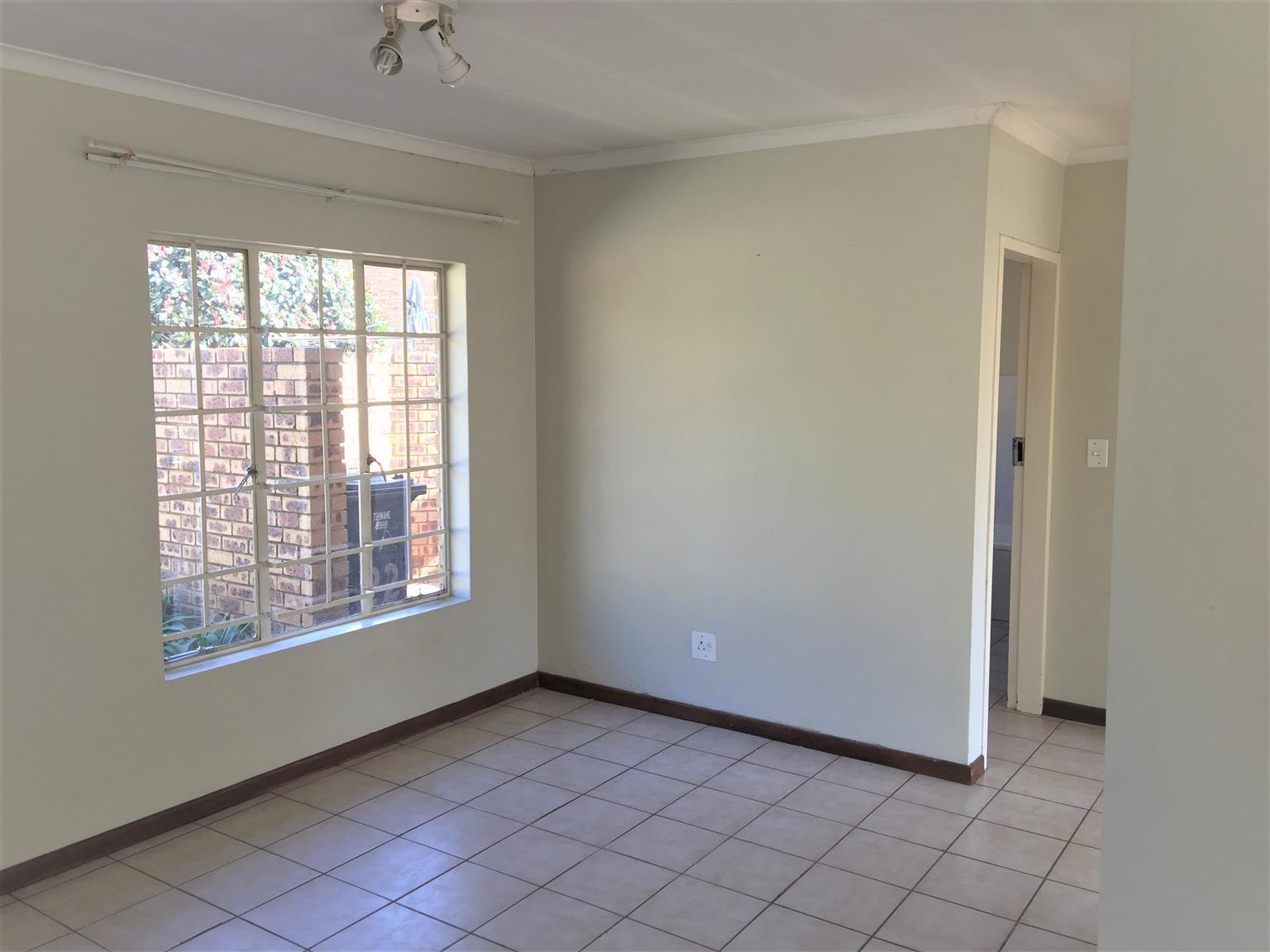 Townhouse to Let - Newlands - Pretoria East  - 3 Bedrooms