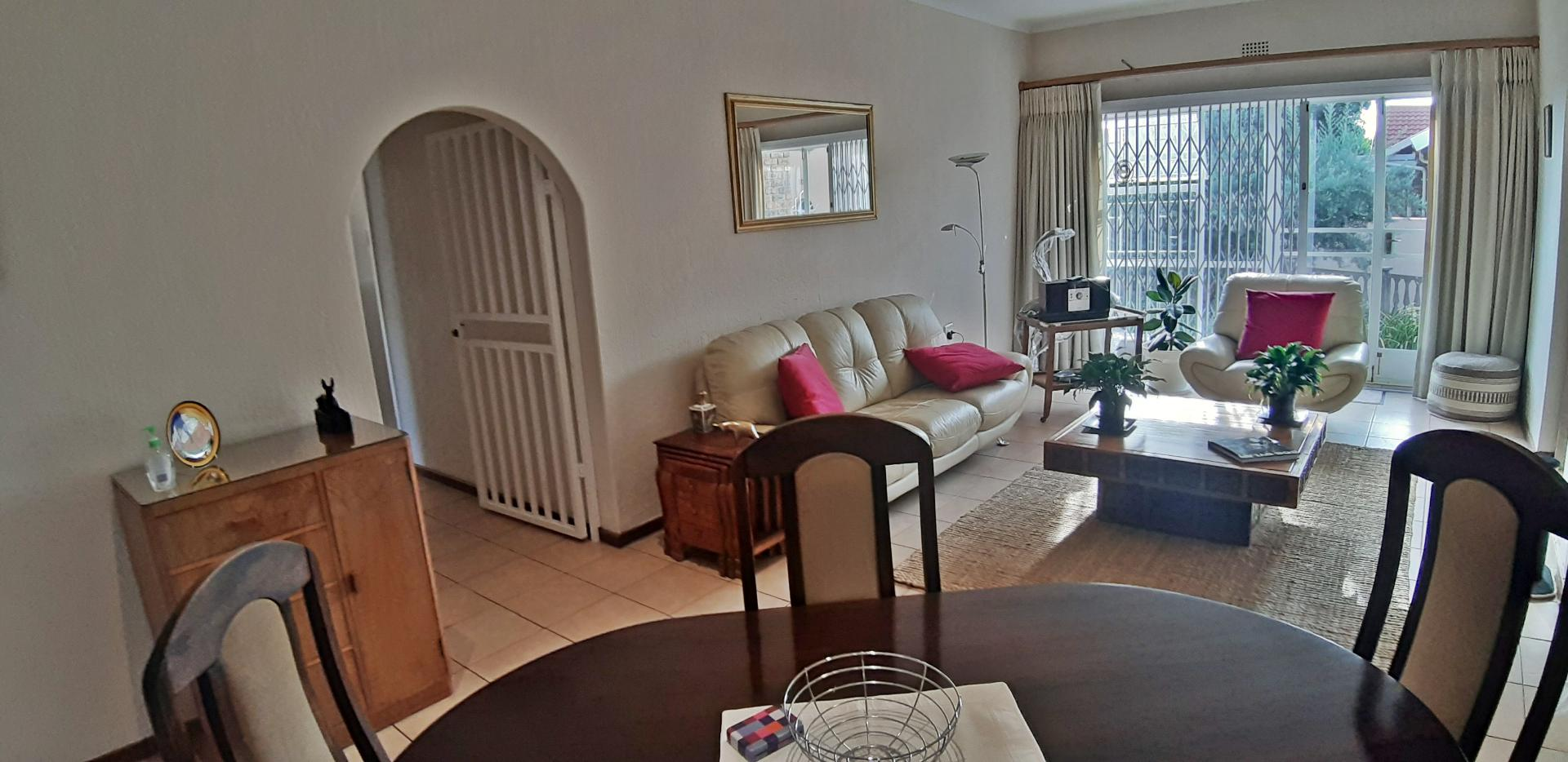 Townhouse For Sale in Randhart