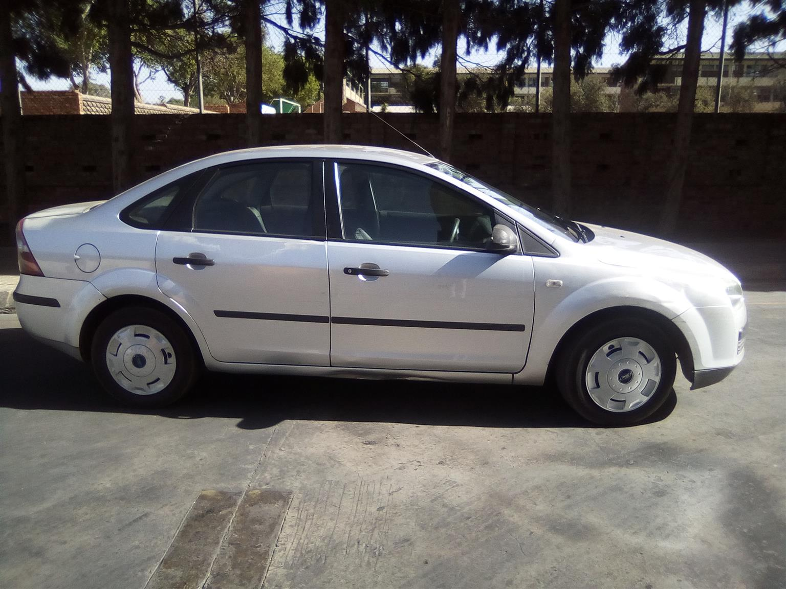 2005 Ford Focus sedan 1.6 Ambiente