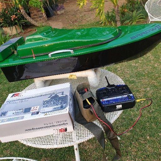 Arrow II Baitboat