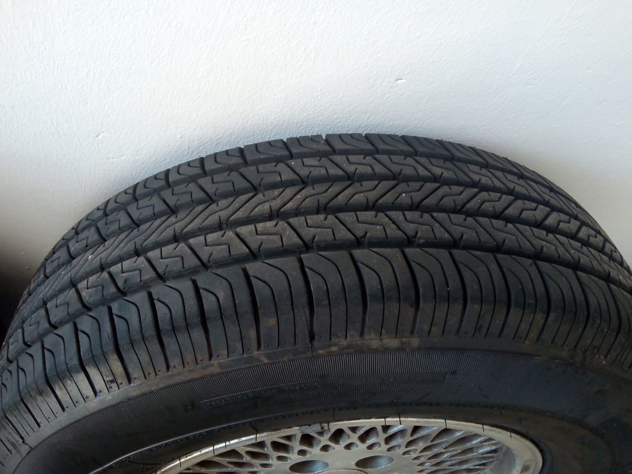 Jeep rims with brand new tyres 215/75/16