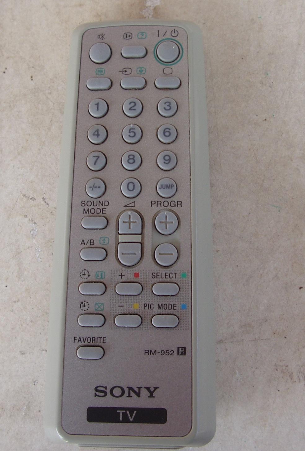 Genuine Sony Remote Control Original RM-952