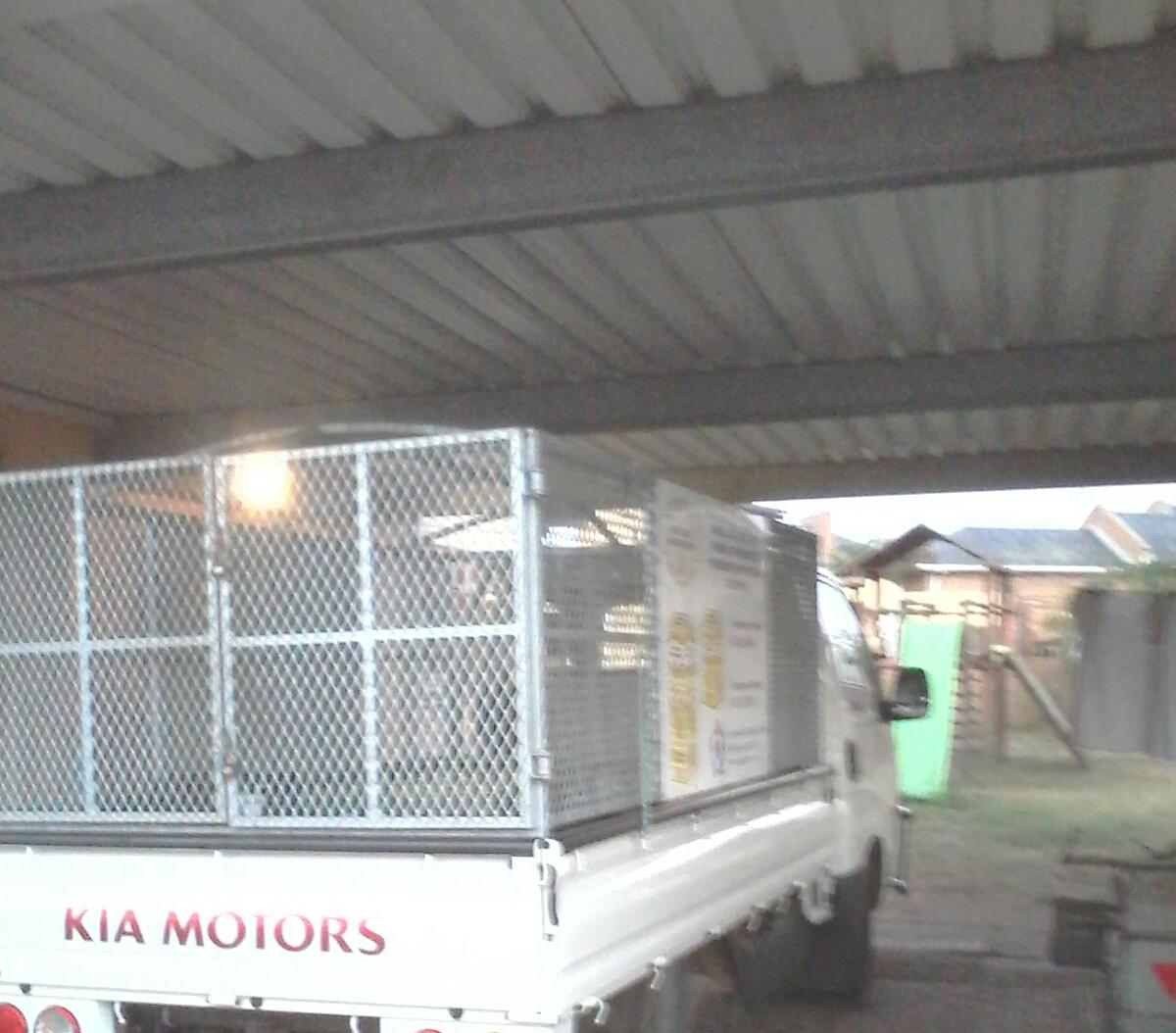 Excellent condition high volume galvanize cage for Kia k2700/ Hyundai H100 bakkie