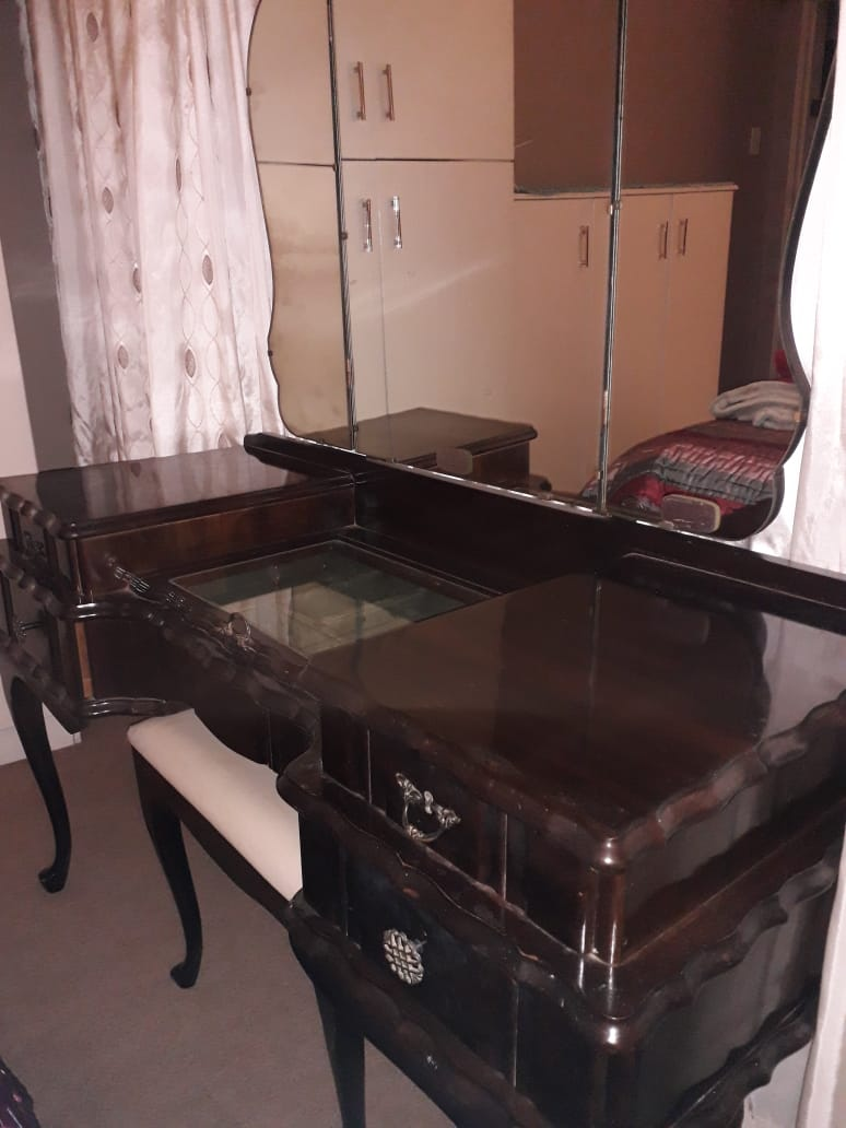 Imbuia Ball & Claw Bedroom Suite in excellent condition.(Excl bed)
