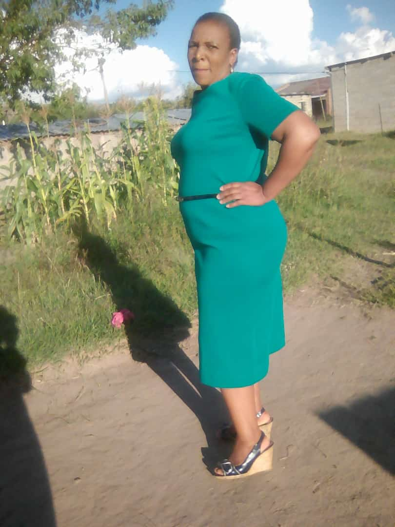 Active LESOTHO maid/babysitter/housekeeper/care-giver with refs needs work.