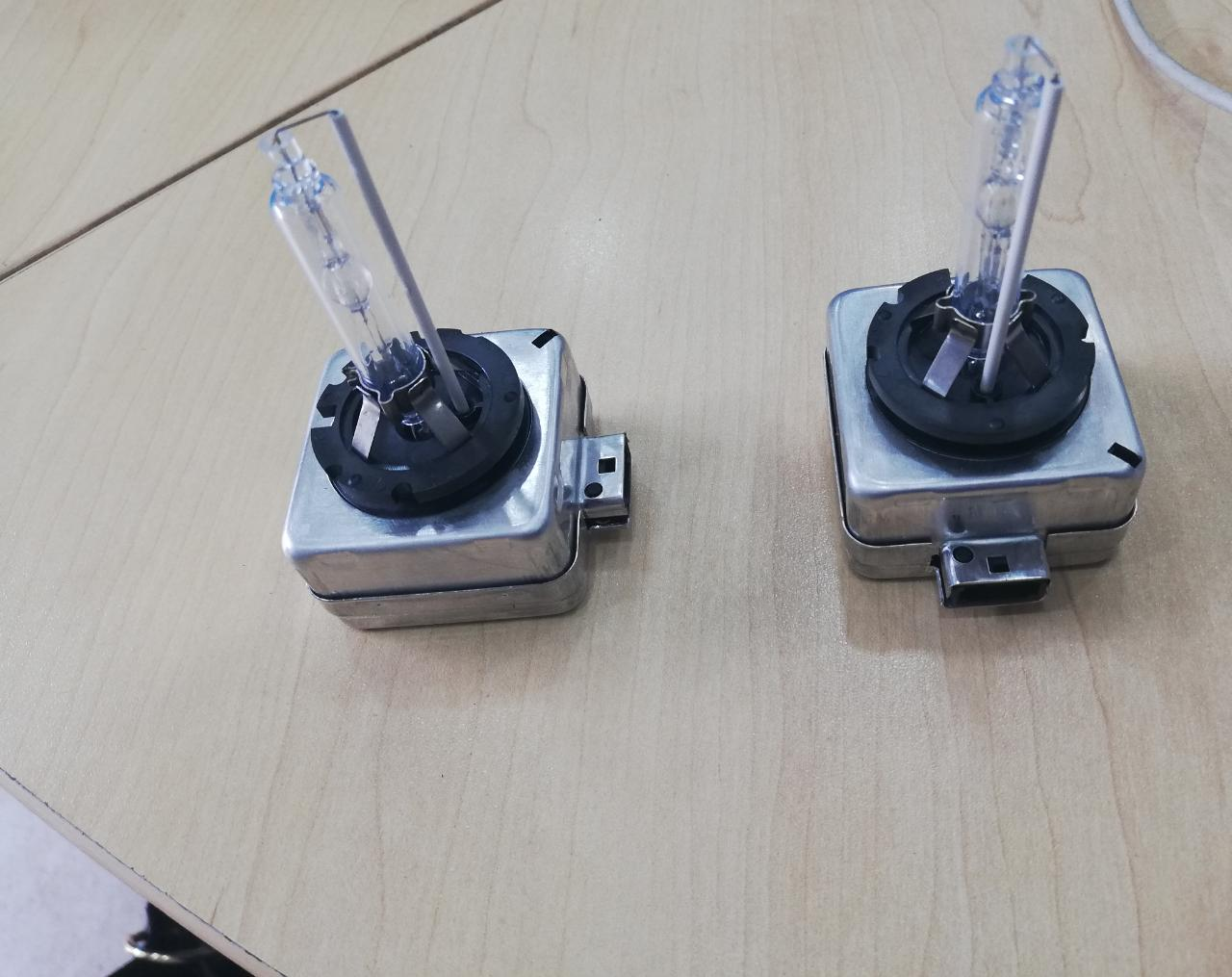 Brand new Xenon HID D1S and D3S Headlight Bulbs for sale