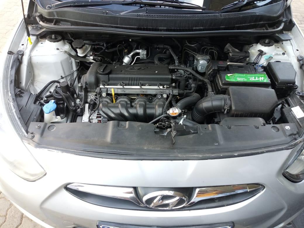 2015 Hyundai Accent sedan 1.6 Glide