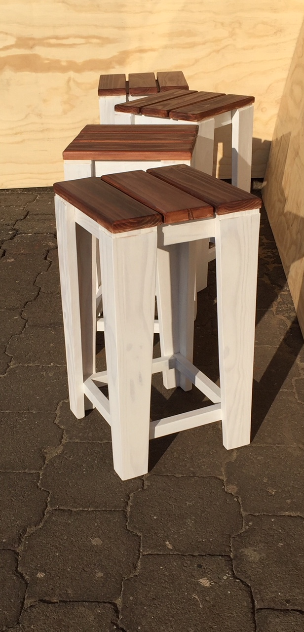 Bar stool Cottage series 330 square (medium) Two-toned