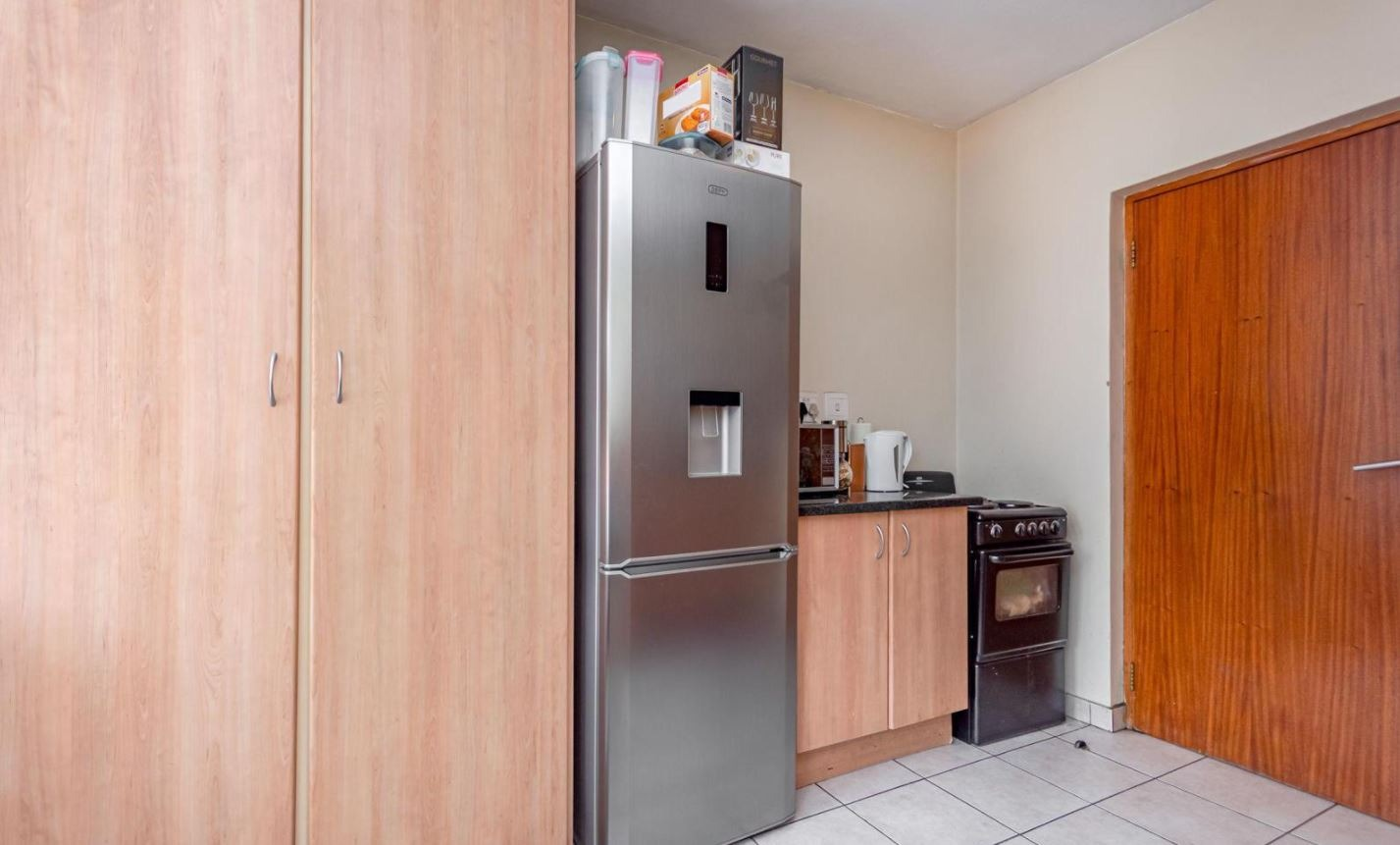 Apartment For Sale in Auckland Park