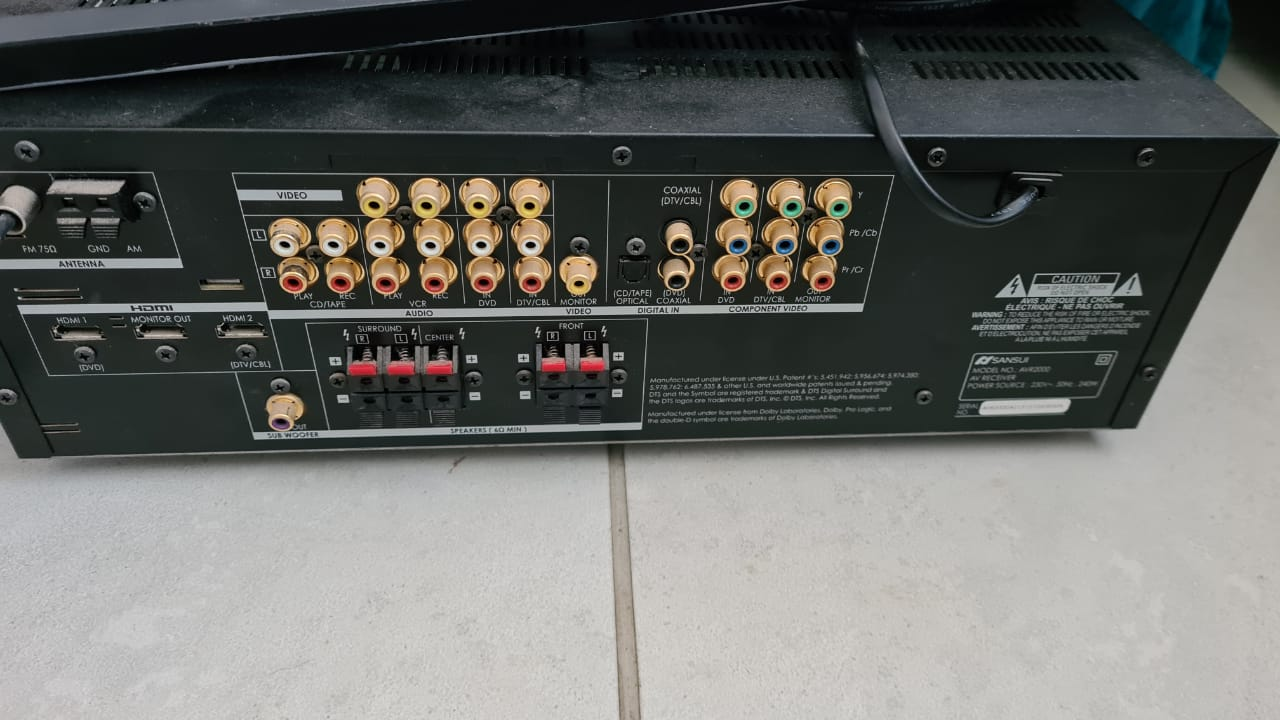 """Samsung 32"""" TV with sansui Amp with brackets and speakers"""