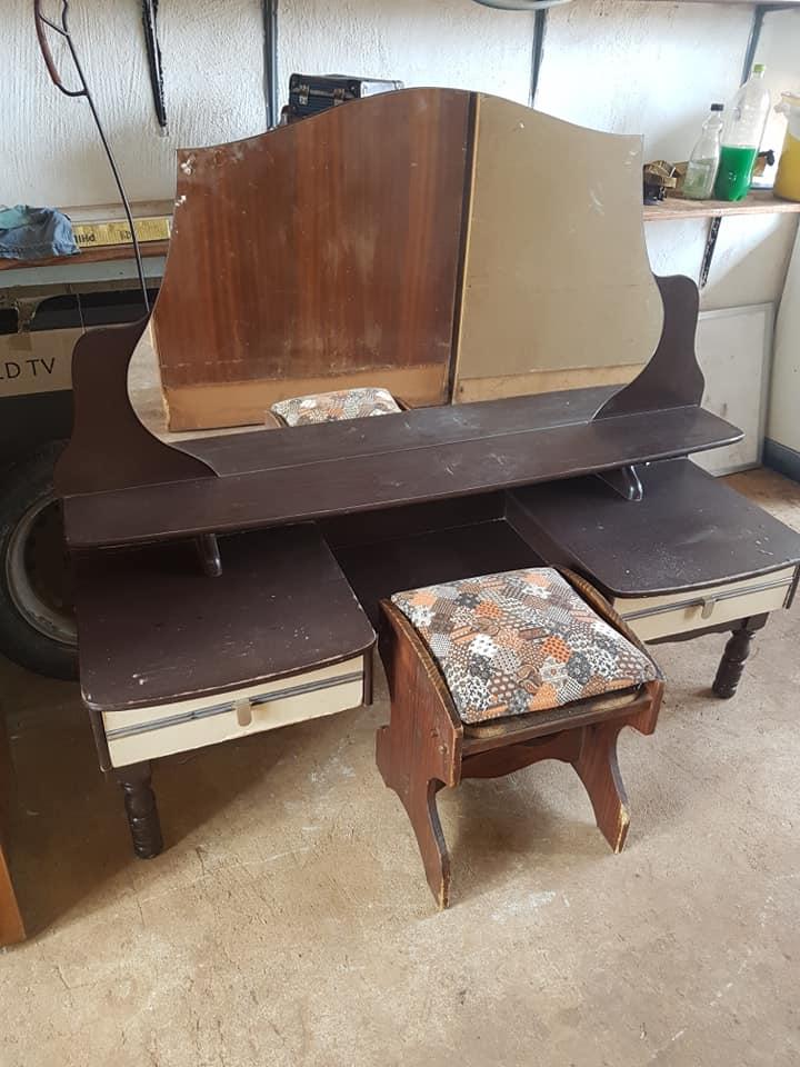 Side Table Donker Hout.Antieke Donker Hout Spieelkas Junk Mail