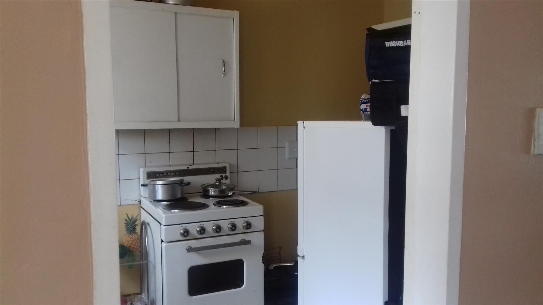 2.5 bed duplex flat in SunnSide East 6 000pm dep 3000 Quite & Clean