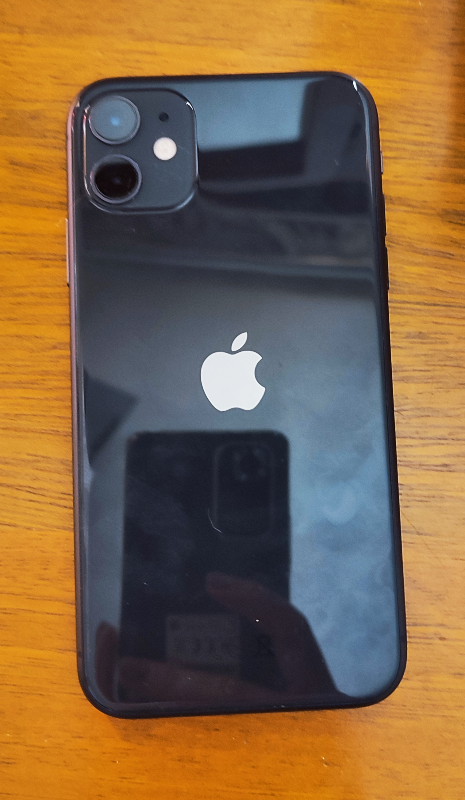 Apple iPhone 11 64gb (cash only)