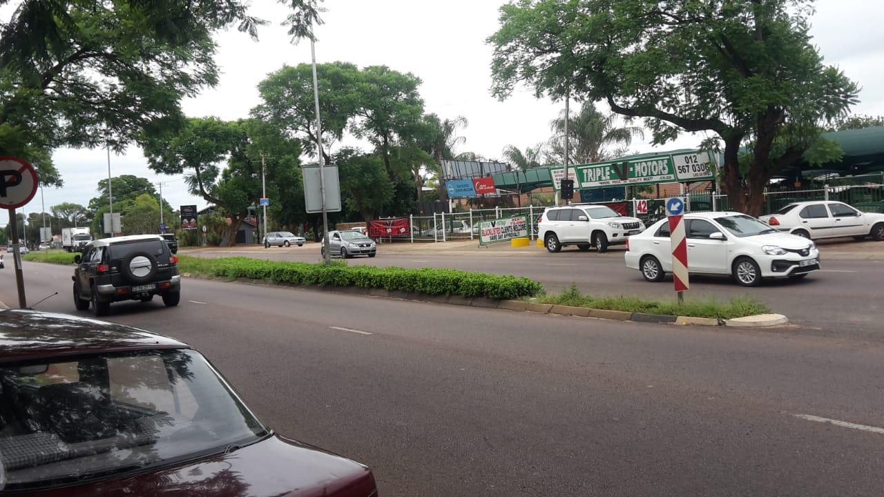 PRIME PROPERTY FOR SALE  IN ZAMBEZI DRIVE