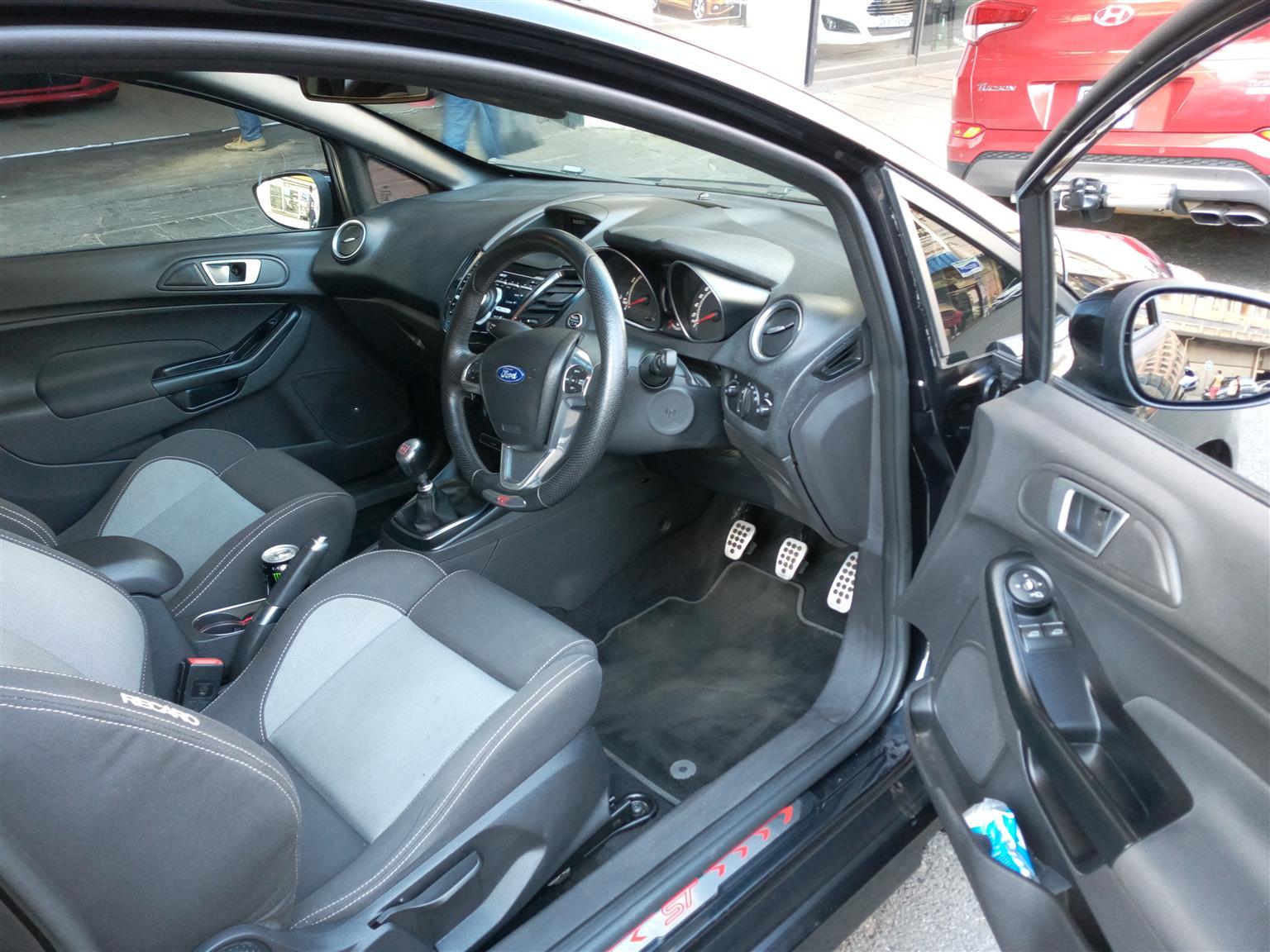 2014 Ford Fiesta 5 door 1.6 S