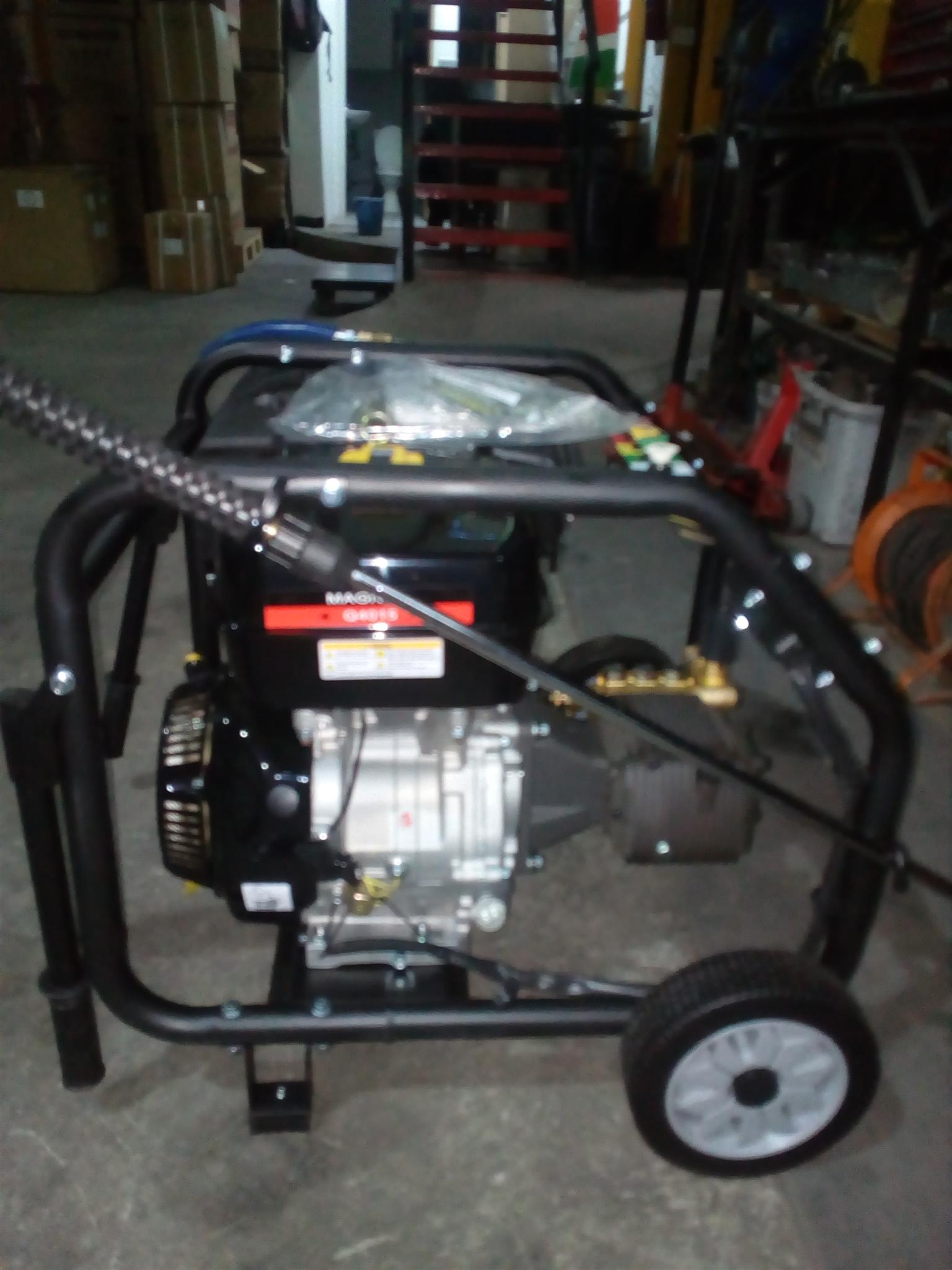 Magnum High Pressure Petrol  Washer with 16 hp Engine 4000psi Price Incl Vat