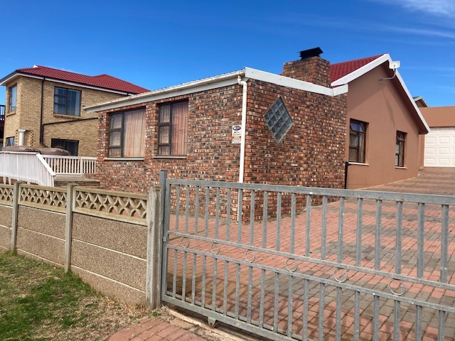 House For Sale in Mossel Bay