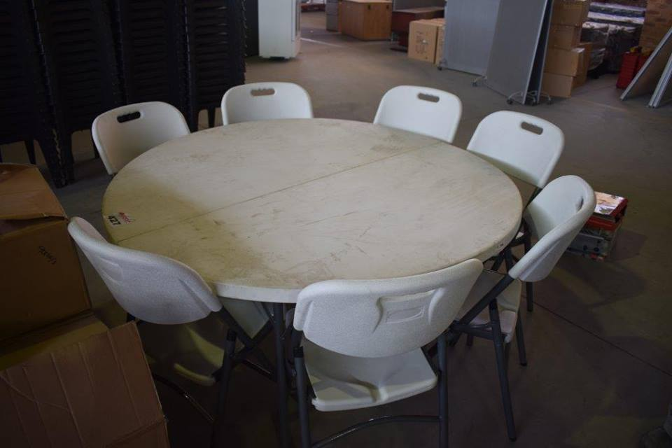 7 Seater round table set