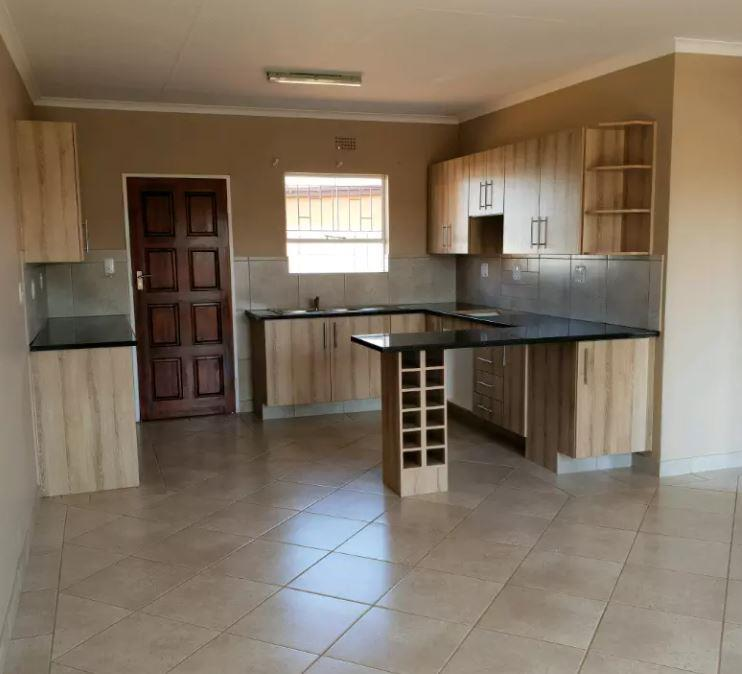 Townhouse Rental Monthly in Riversdale