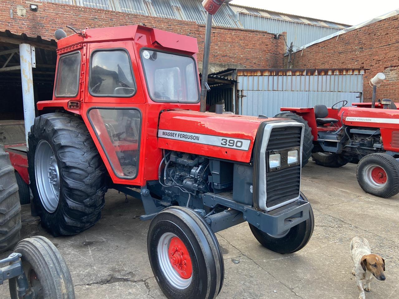 Massey ferguson 390 Cab tractor