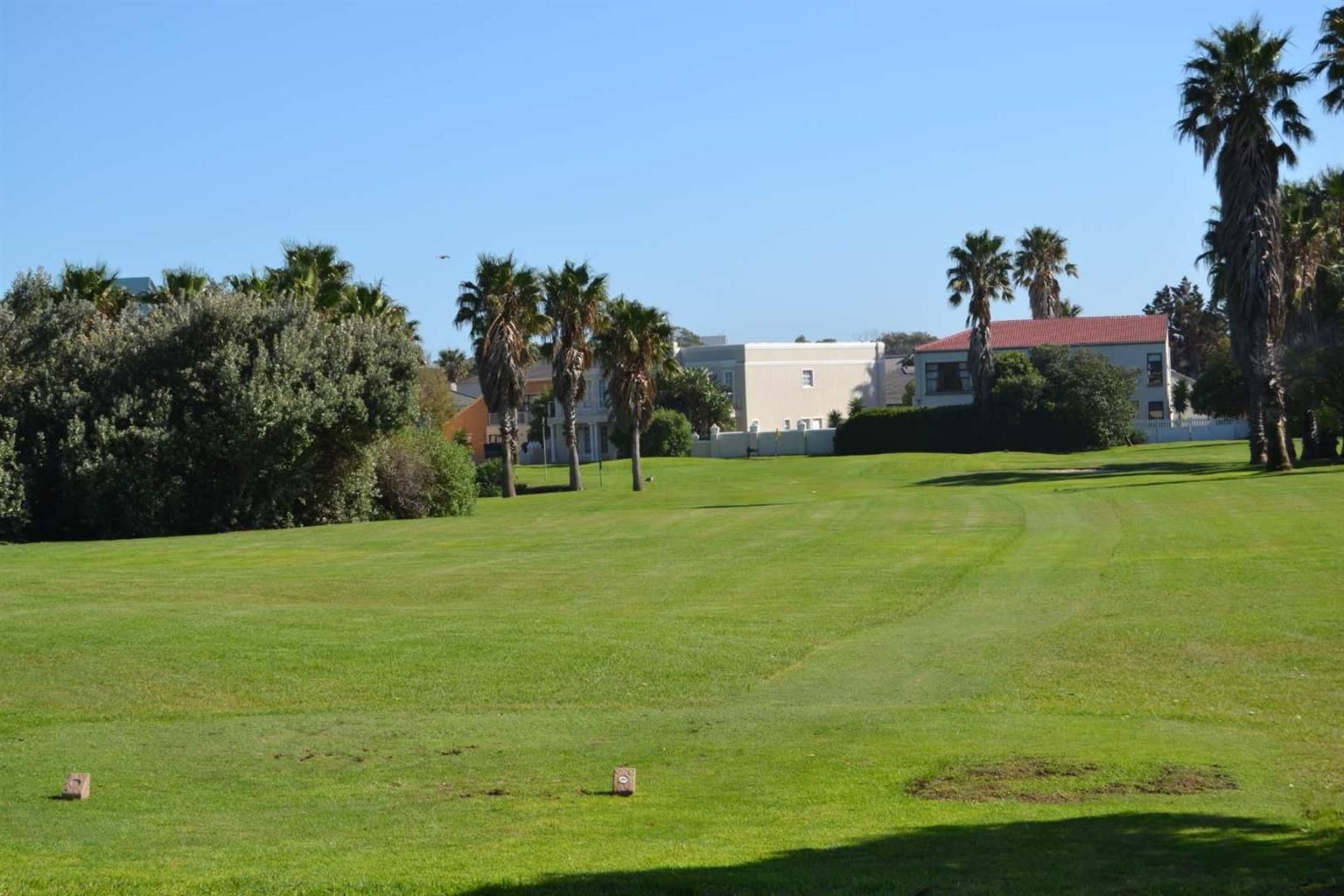 Apartment For Sale in Greenways Golf Estate