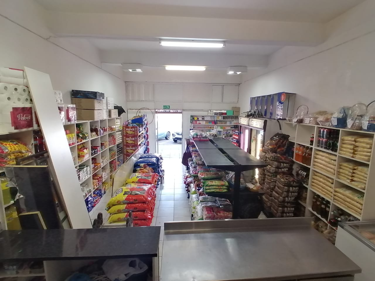 Supermarket & Takeaways *Springs