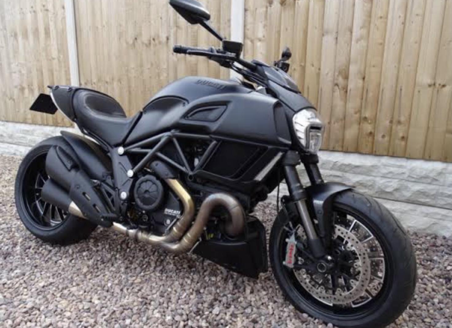 Ducati diavel 2017
