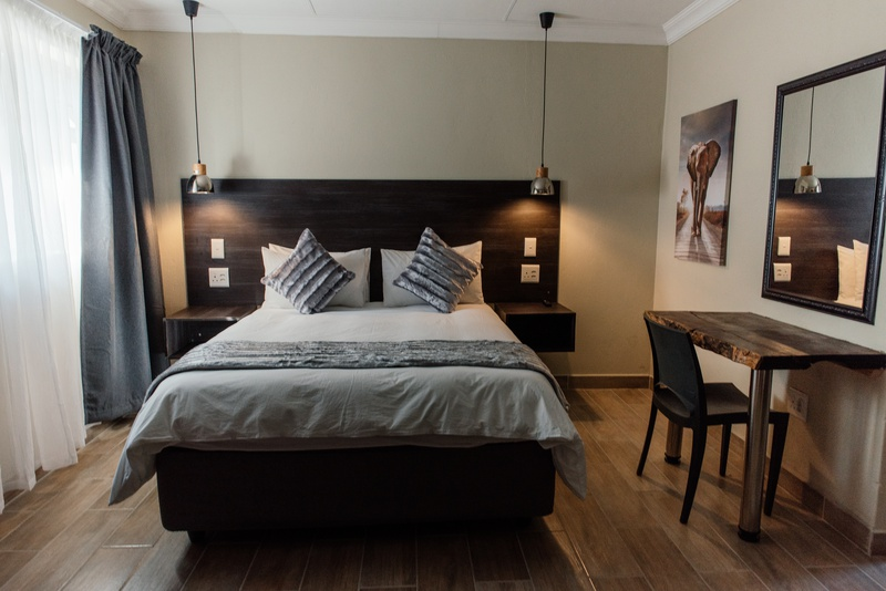 FULLY FURNISHED APARTMENTS, WATER & LIGHTS INCLUDED, BARGAIN, PHALABORWA