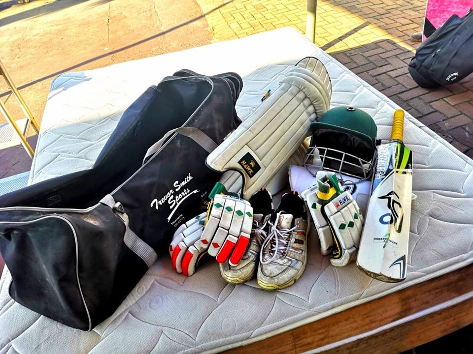 Cricket set for sale