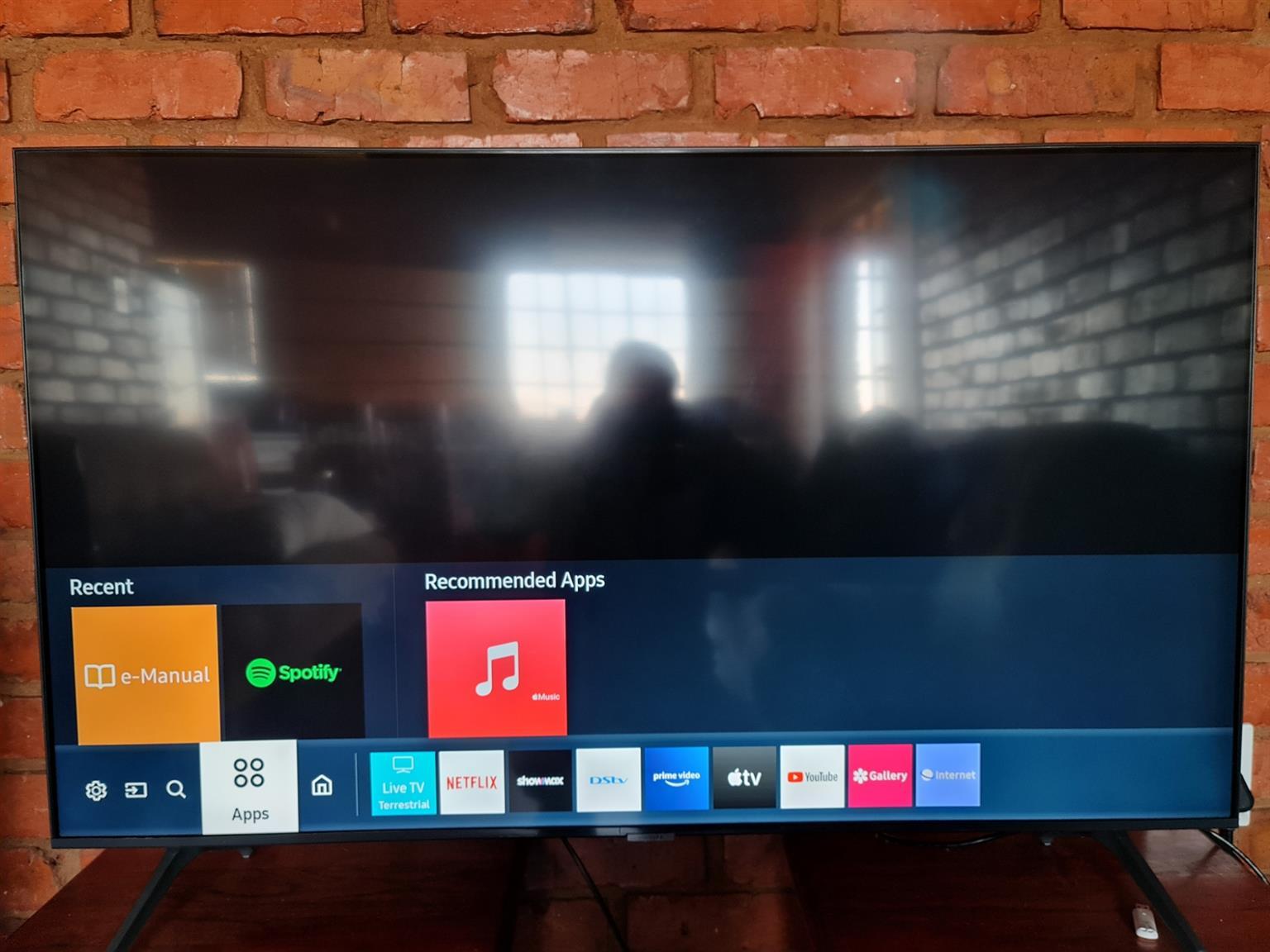 New Samsung 50 inch UHD smart Tv