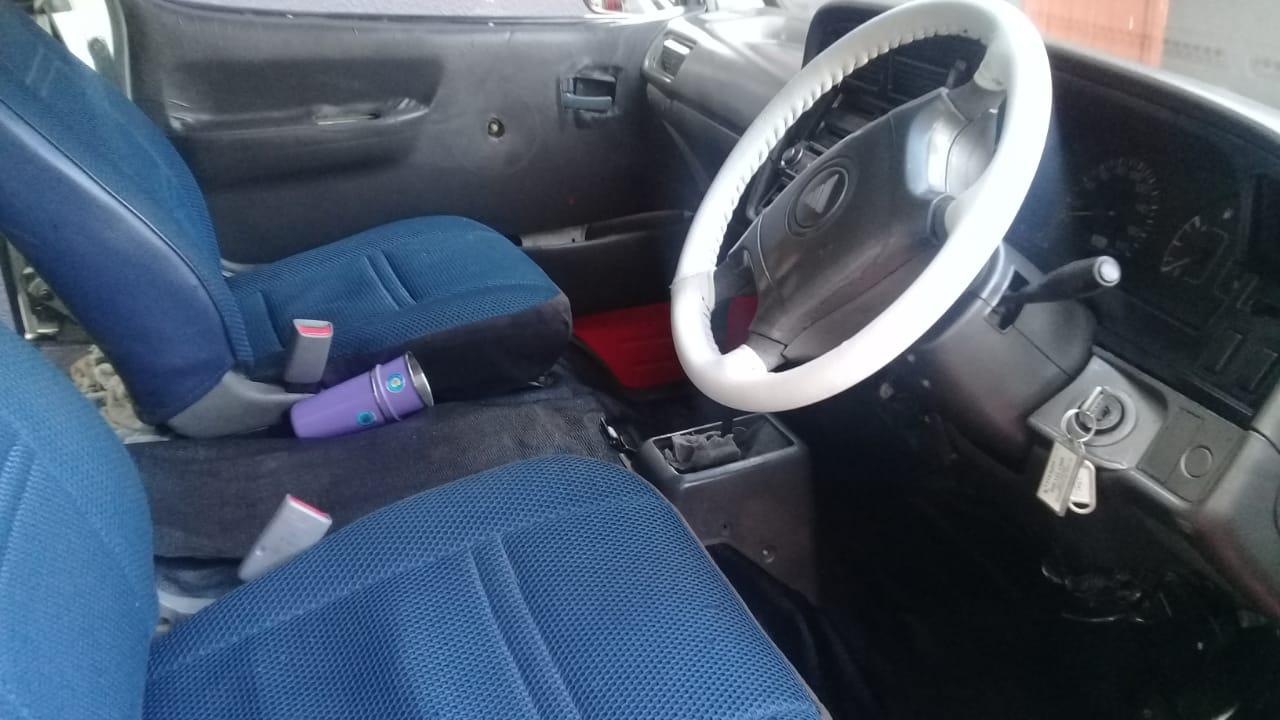 2015 Toyota Hi-Ace 2200 Siyaya