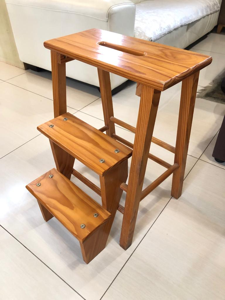 House of York Wooden Stool incorporating a 3-step Kitchen Ladder - in MINT condi