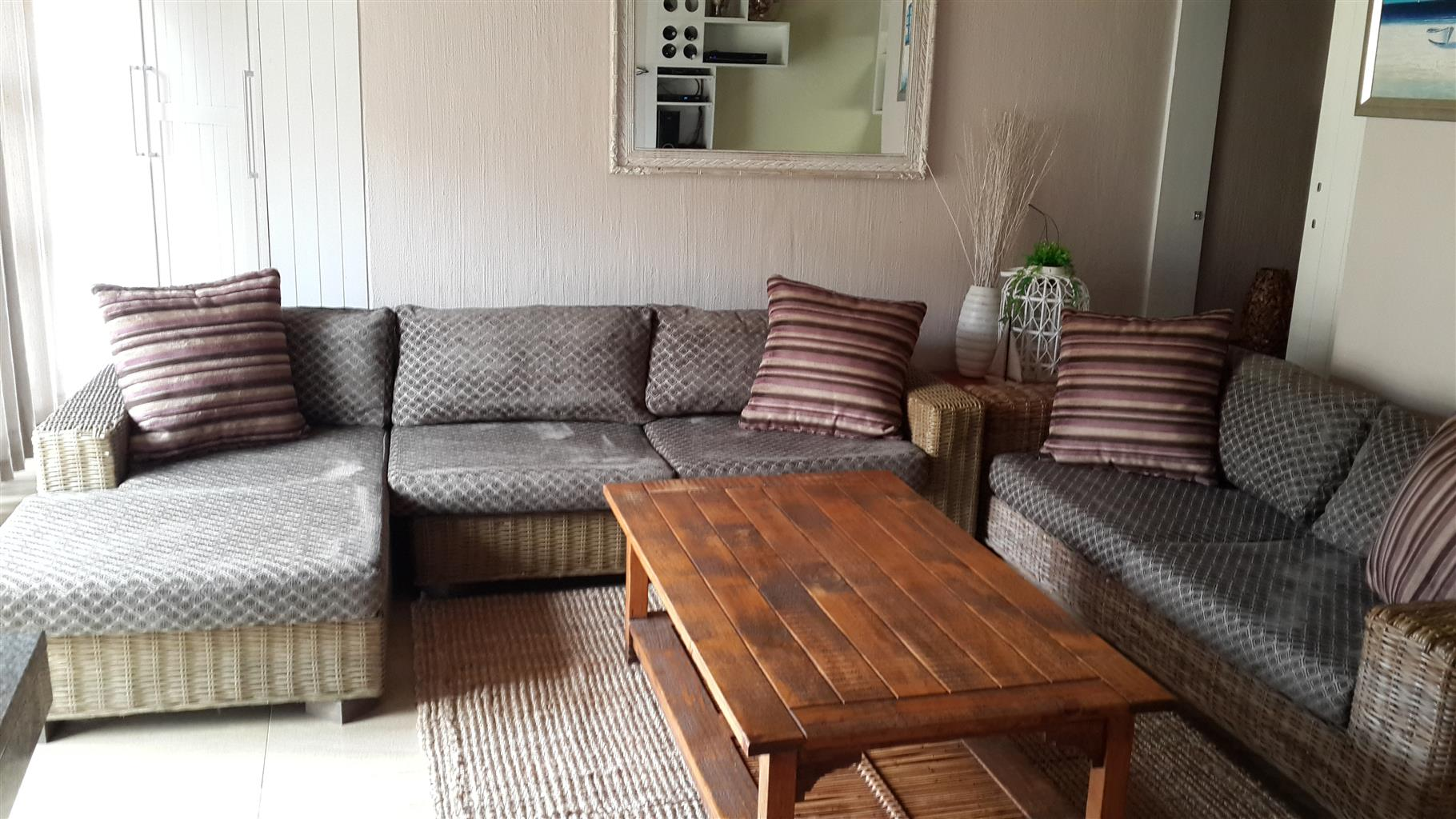 JUNE /JULY /AUGUST, SELF-CATERING, WINKELSPRUIT, AMANZIMTOTI ON THE BEACH, MAX6-24 HR SEC