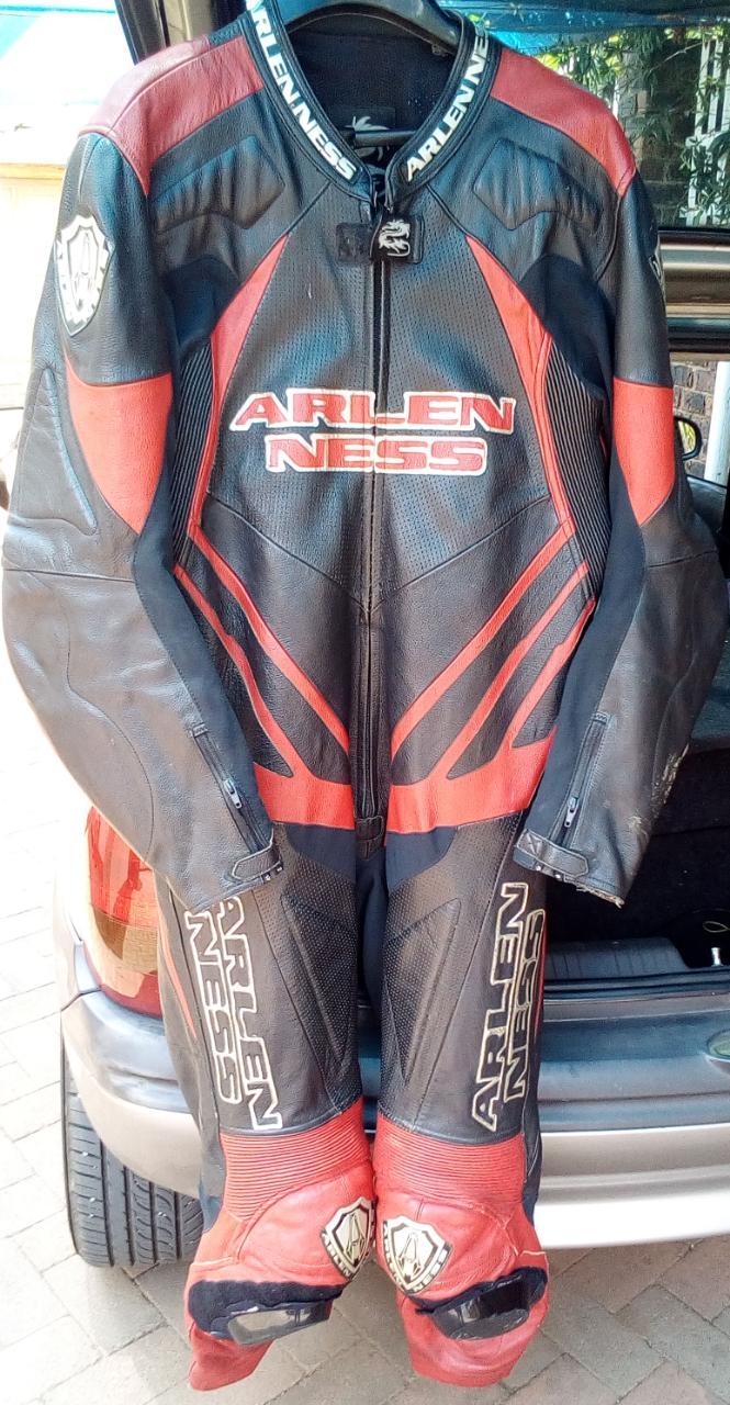 Bike suit