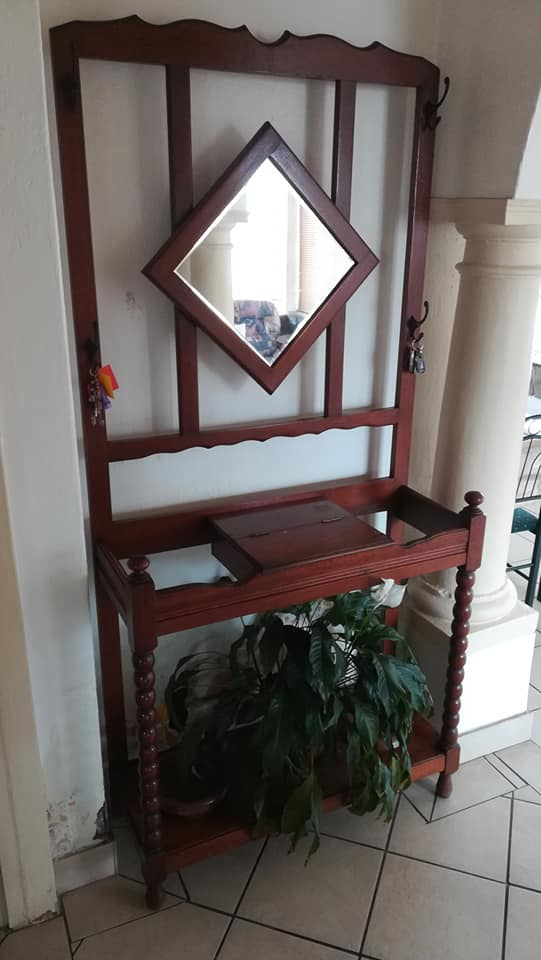 Dressing Table With Mirror For Sale Junk Mail