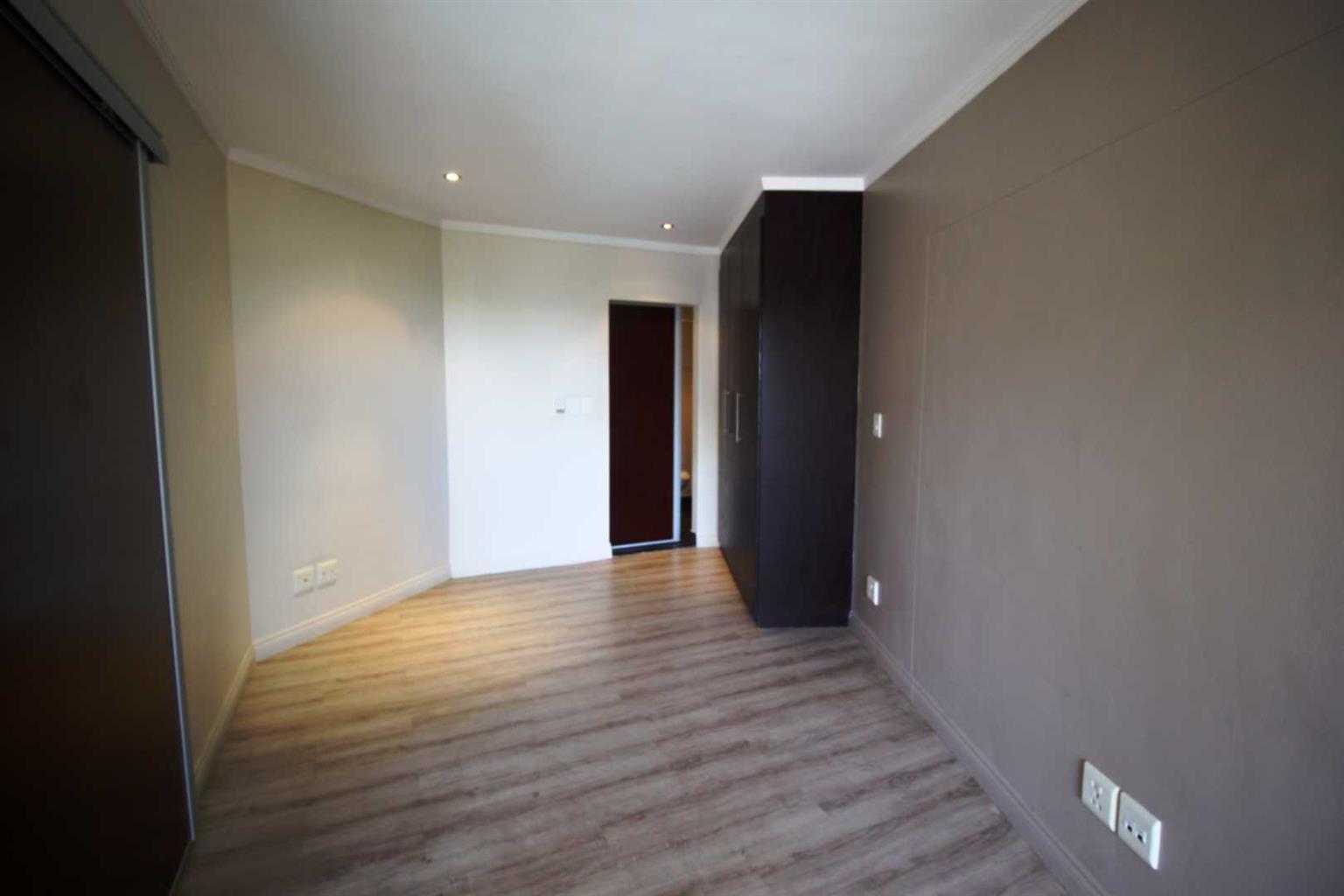 Apartment Rental Monthly in Sandhurst