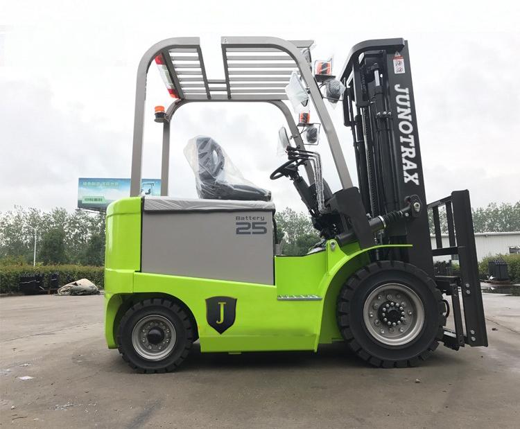 Junotrax Mitsubishi & Isuzu 2.5 Forklifts