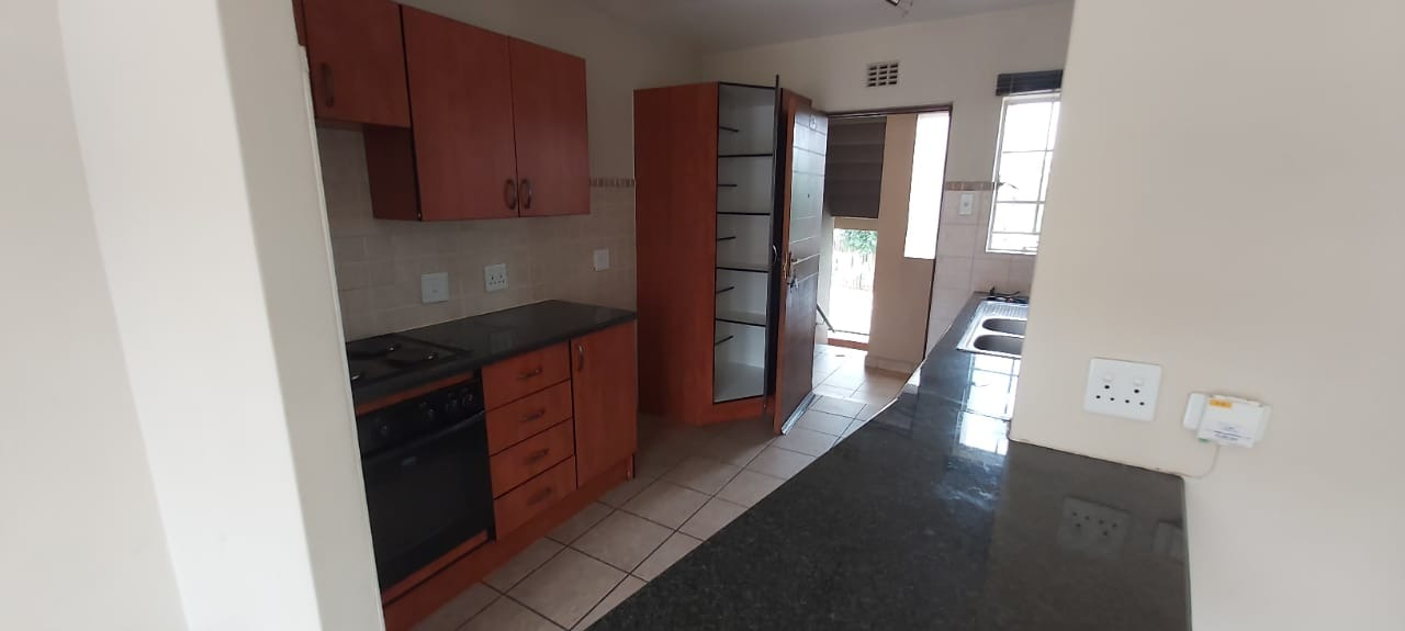 Townhouse For Sale in Brentwood