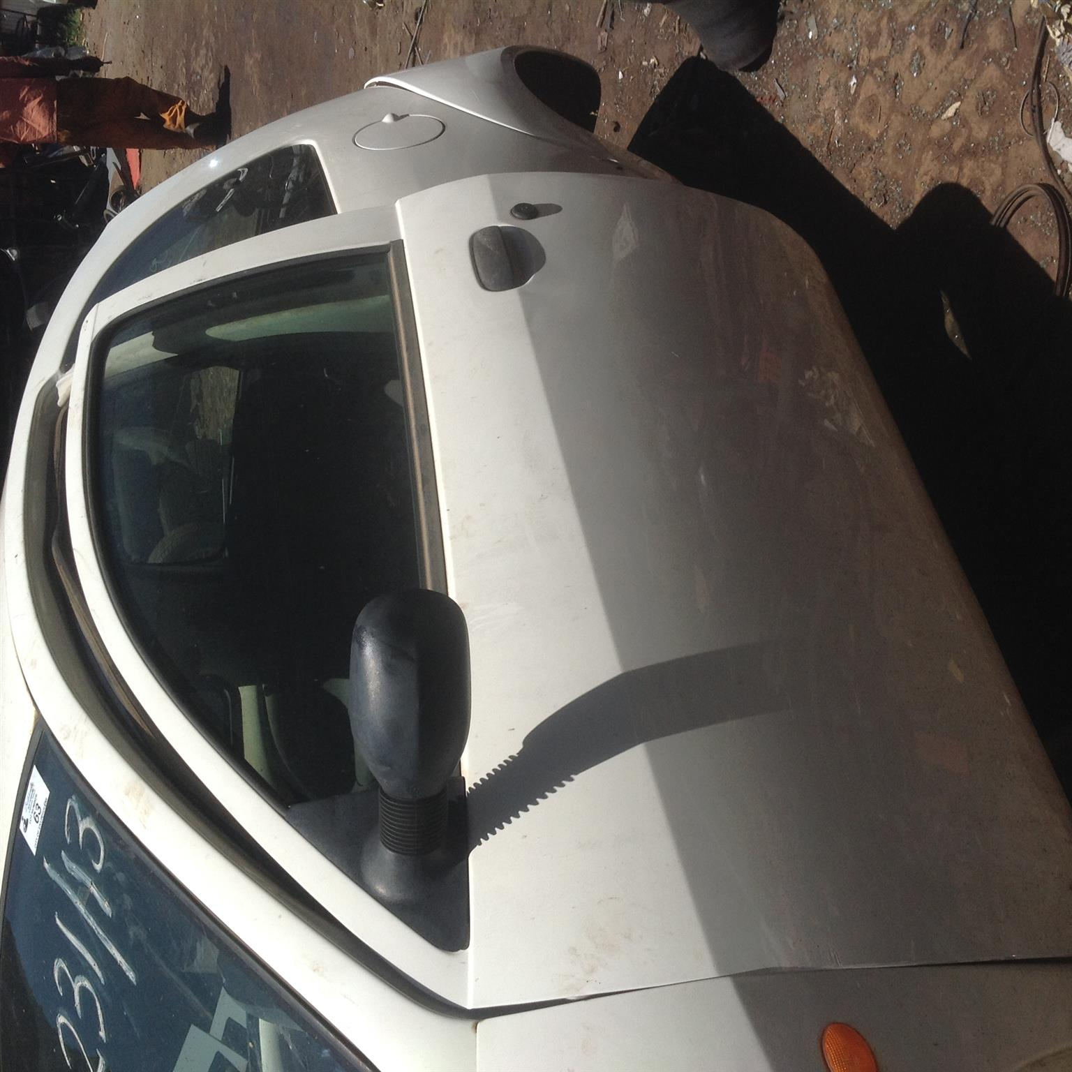 Stripping Ford Ka 2005 for Spares