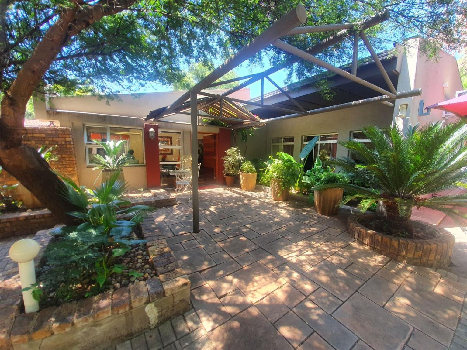 House For Sale in BAYSWATER