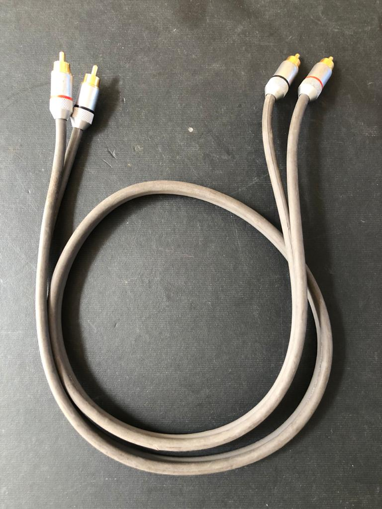 IXOS 104 PHONO RCA Interconnect Cable 1m - for a step up in audio quality